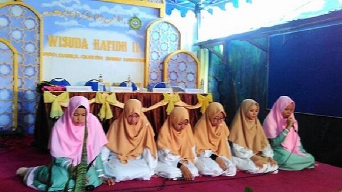 Pesantren Banu Hasyim Adakan Wisuda Tahfidz Quran II
