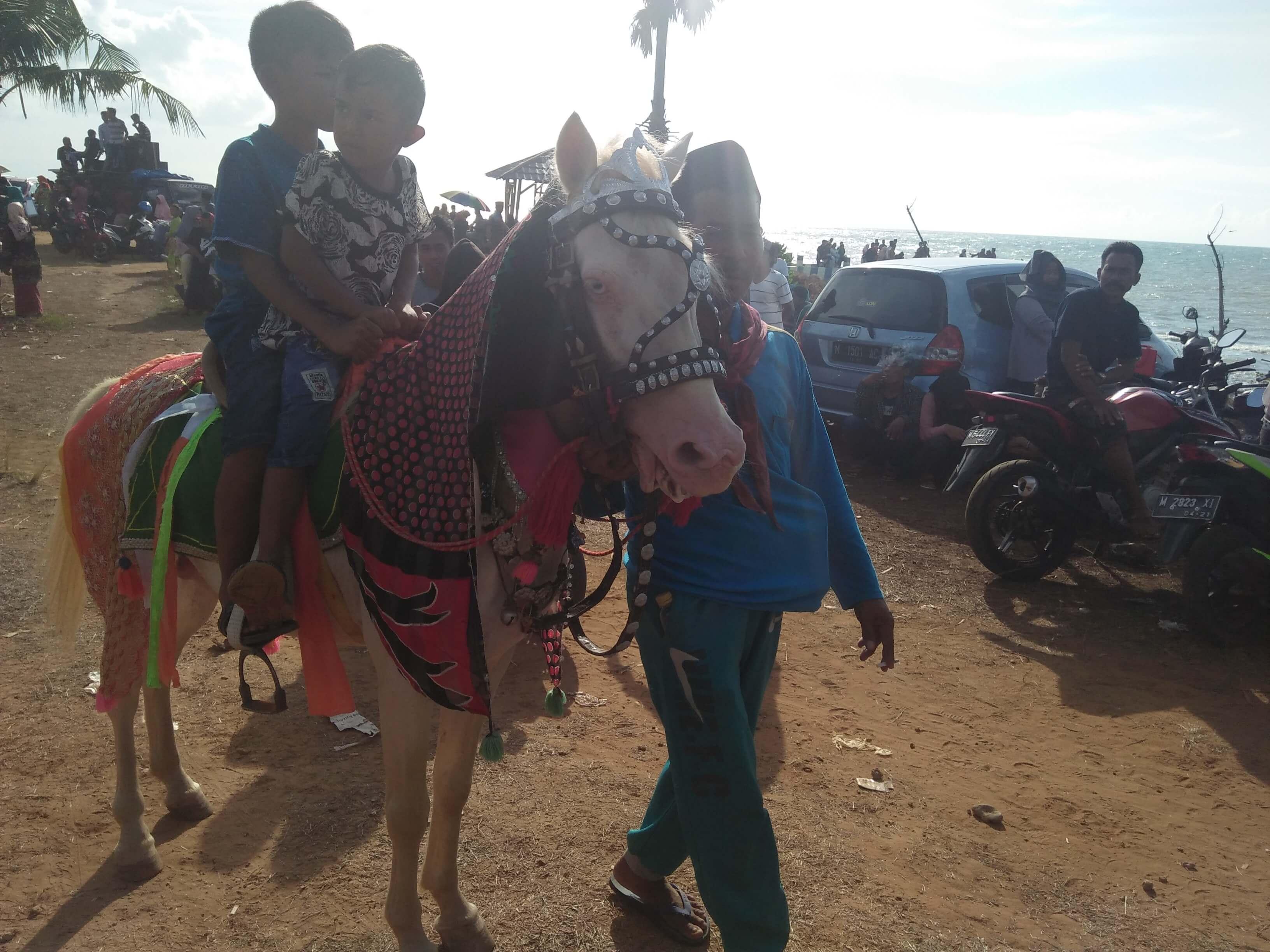 Pantai Taneros Sumenep, Wisata Gratis Untuk Semua Kalangan