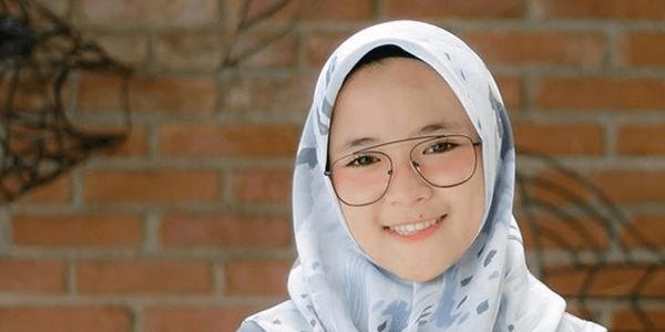 Nissa Sabyan Injak Karpet Bergambar Masjid Dengan Sepatu, Pelecehan?