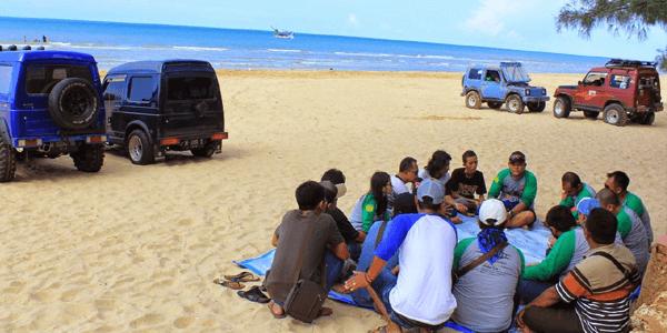 Puncak Keramaian Wisata Pantai Slopeng