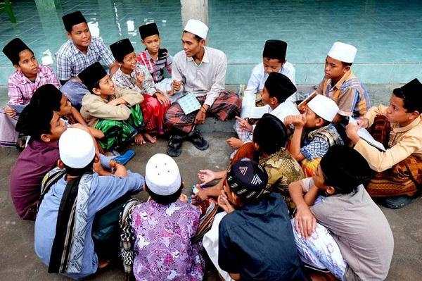 Benteng Terakhir Umat Islam Indonesia adalah Pesantren