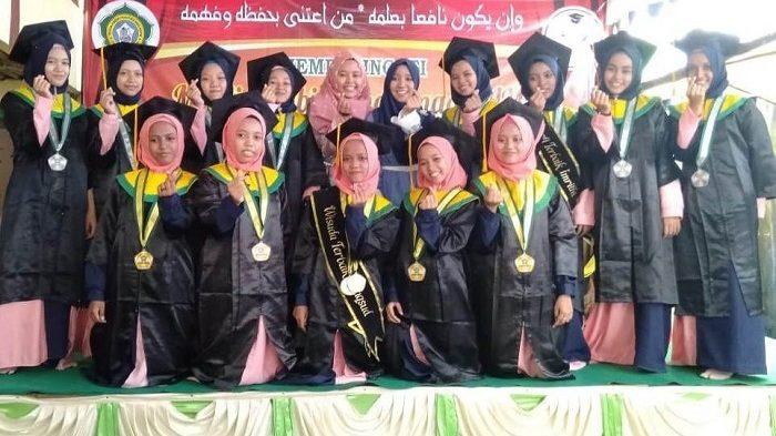 Peringatan Maulid Nabi dan Wisuda Imrithi PP Banu Hasyim 2018