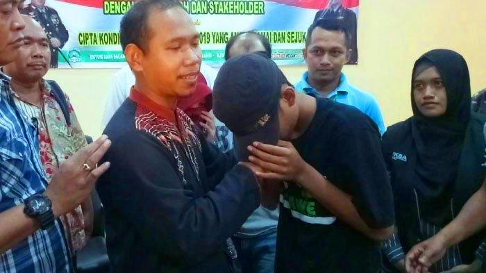 Pak Nur Khalim Potret Sosok Guru Teladan era Milenial