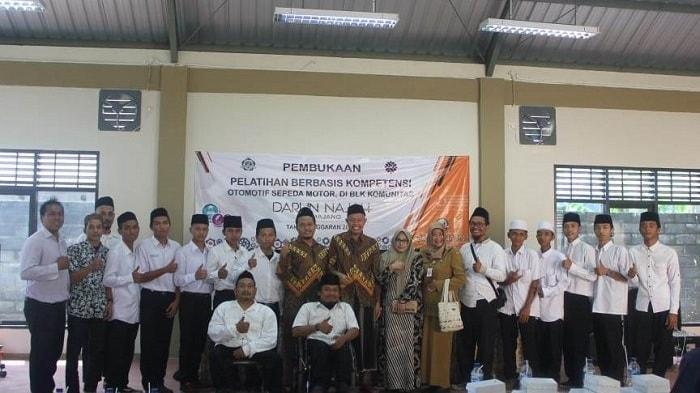 Kaum Difable Ikuti Pelatihan BLK Otomotif di Pesantren Darun Najah