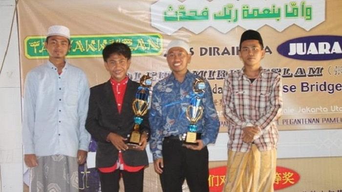 Santri Madura Juara 1 Bahasa Mandarin Nasional