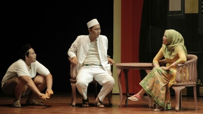 "Naskah Drama Santri ""Patuhan kepada Orang Tua"""
